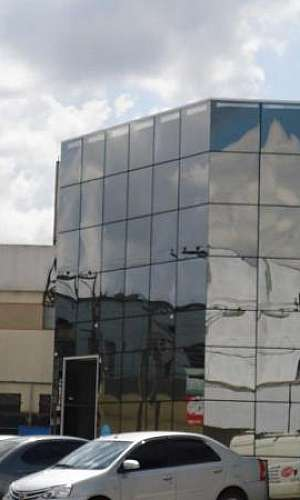 fachada de vidro prédio