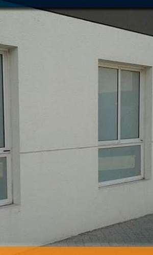Película adesivo jateado para portas e janelas de vidro