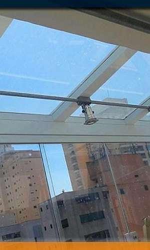 Película transparente para vidros residenciais